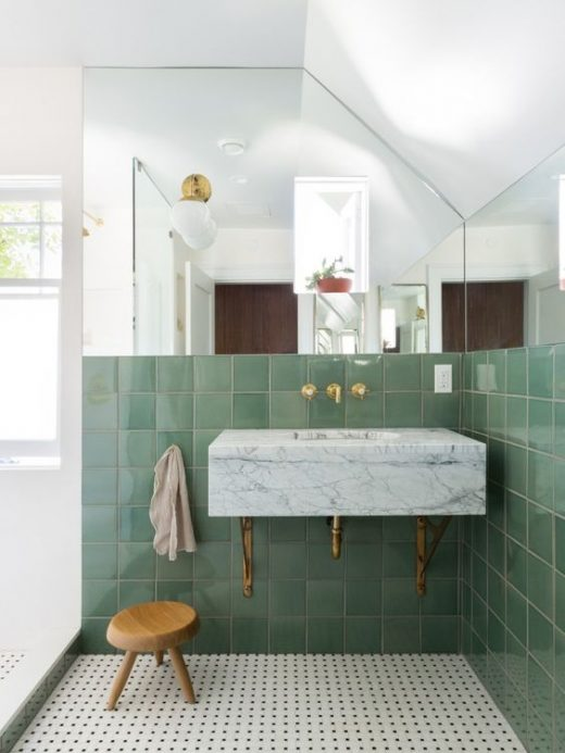 Inspiring Green Bathrooms That Feel